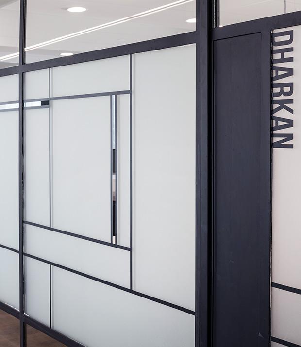 עיצוב משרדים | מיתוג גרפי | סטודיו לוקה| חברת Scodix | עיצוב תעשיתי | עיצוב מוצר | עיצוב גרפי במרחב | מיתוג משרדים | עיצוב חללי עבודה | עיצוב קירות | עיצוב משרדים | מיתוג גרפי
