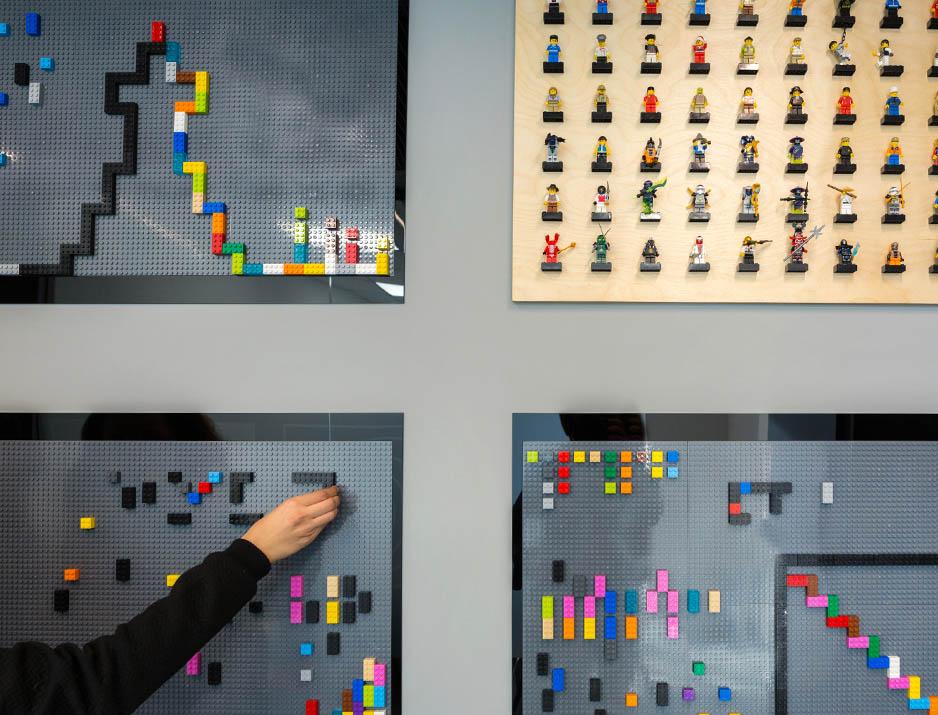 Ey Lego Wall 27