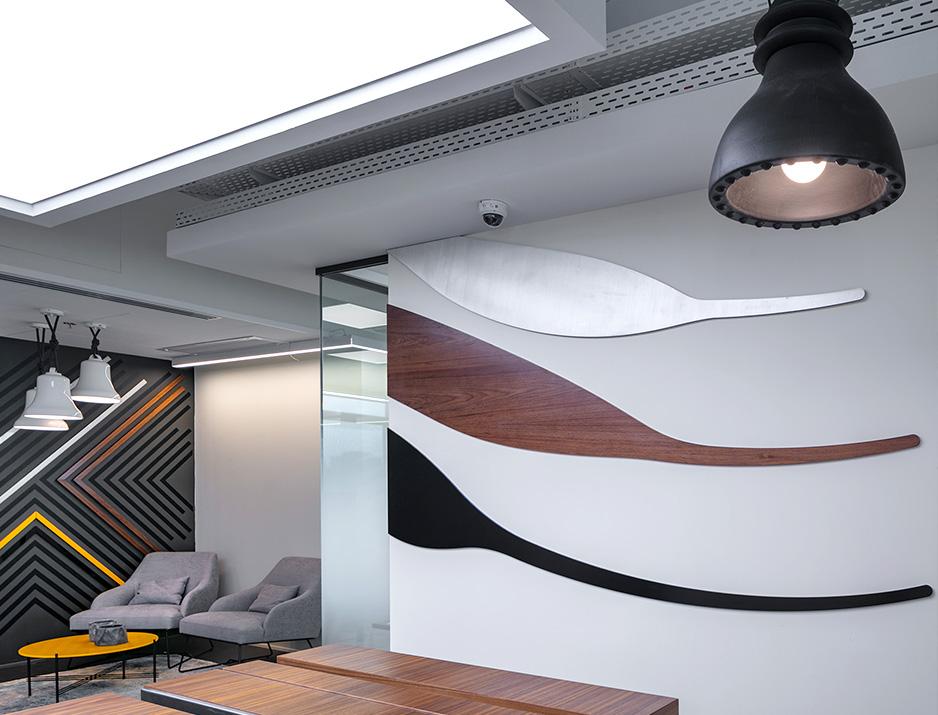עיצוב משרדים | מיתוג גרפי | חברת תדיראן | עיצוב מוצר | עיצוב גרפי במרחב | מיתוג משרדים | עיצוב חללי עבודה | עיצוב קירות