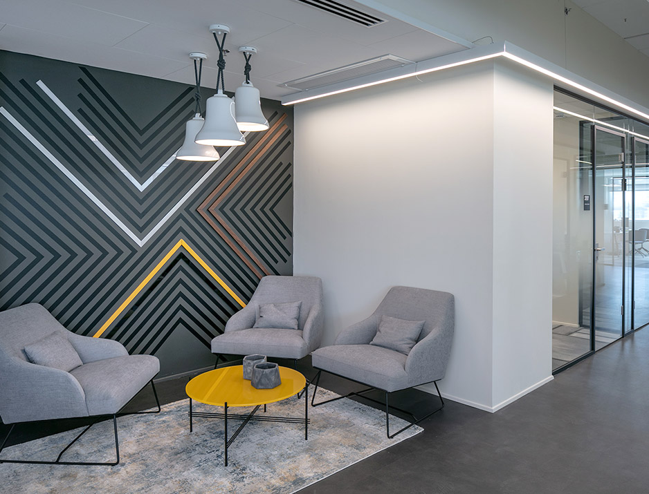 עיצוב משרדים | מיתוג גרפי | חברת תדיראן | עיצוב גרפי במרחב | מיתוג משרדים | עיצוב חללי עבודה | עיצוב קירות