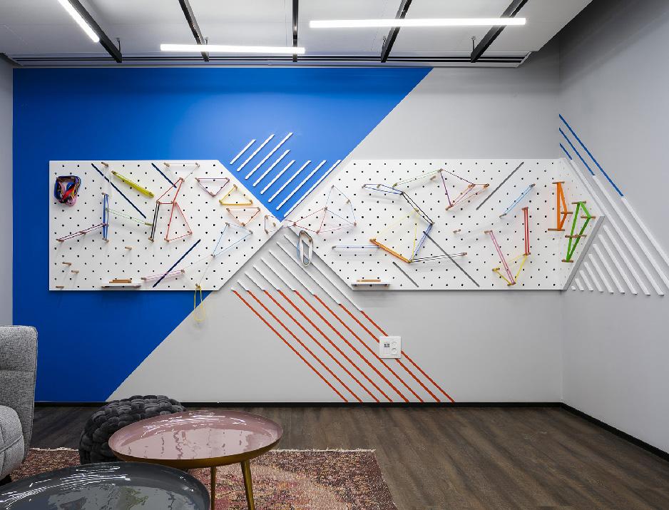 עיצוב משרדים | מיתוג גרפי | חברת קווסט | עיצוב מוצר | עיצוב גרפי במרחב | מיתוג משרדים | עיצוב חללי עבודה | עיצוב קירות
