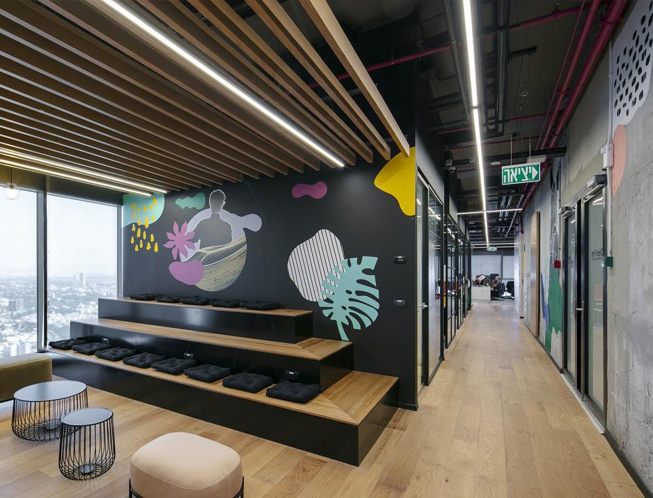 עיצוב משרדים/ מיתוג גרפי/ חברת צ'ק פוינט/ עיצוב גרפי במרחב/ מיתוג משרדים/ עיצוב חללי עבודה